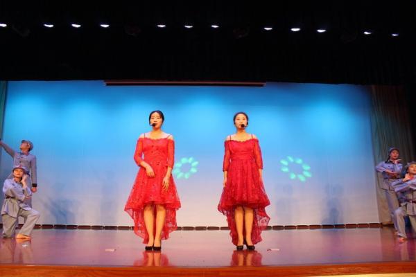11 民族舞《改革演颂》.jpg
